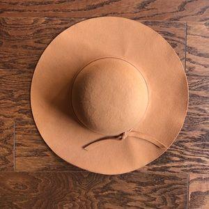 Tan felt hat